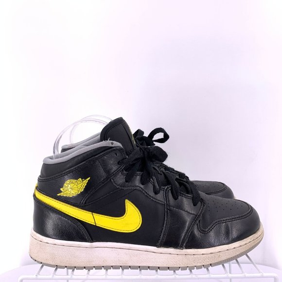 nike girls air jordan 1 mid